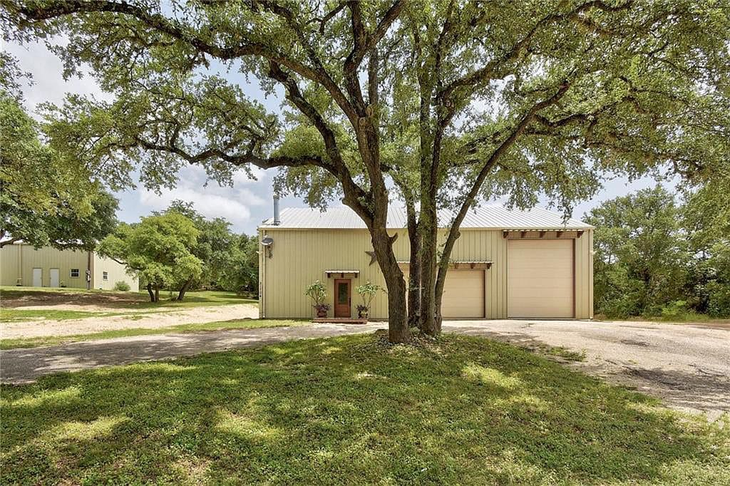 Leander TX Barndominium For Sale