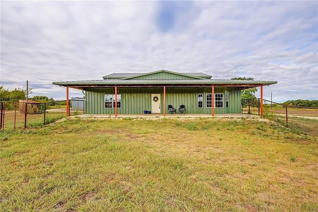 Florence Texas Barndo For Sale