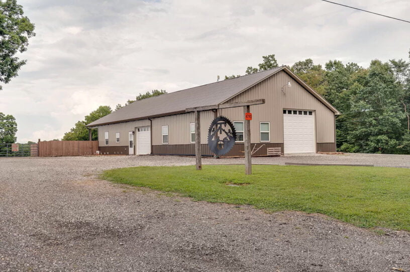 Hampshire TN Metal House For Sale